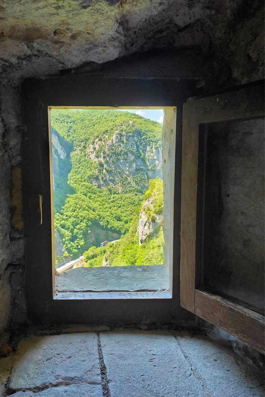 vista dall'eremo di s.maria infra saxa